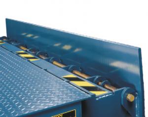 Nordock®-Barrier™-Stay-Put-safety-barrier-lip